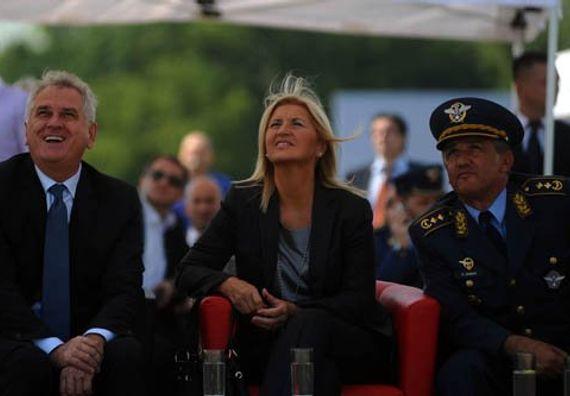 Beograd 2.9.2012. g. - Predsednik Nikolić, supruga Dragica i general - major Ranko Živak na Aeromitingu 'Batajnica 2012'