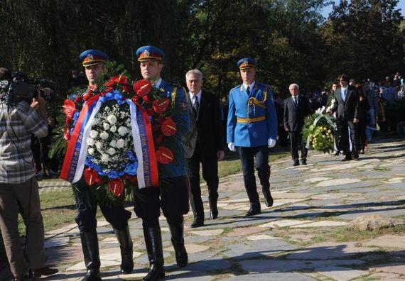 Крагујевац 24.10.2012.- Председник Николић положио је венац у Спомен парку Шумарице у Крагујевцу.