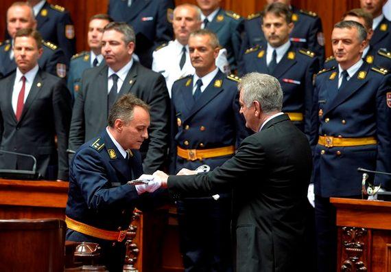 Beograd 11.7.2013. god. – Predsednik Nikolić uručio sablje najboljim oficirima.
