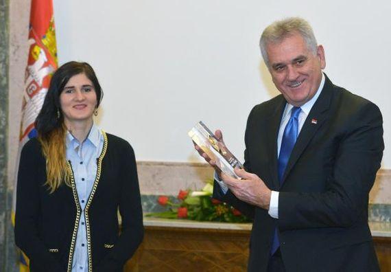 Beograd, 13.12.2013. god. Predsednik Nikolić ugostio srpsku atletičarku Amelu Terzić.
