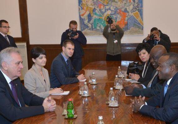 Beograd, 16.12.2013. god. Predsednik Nikolić sa zamenikom predsednika Komisije Afričke unije.