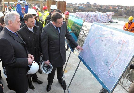 Beograd, 22.1.2014. god. Predsednik Nikolić obišao gradilište mosta Zemun-Borča