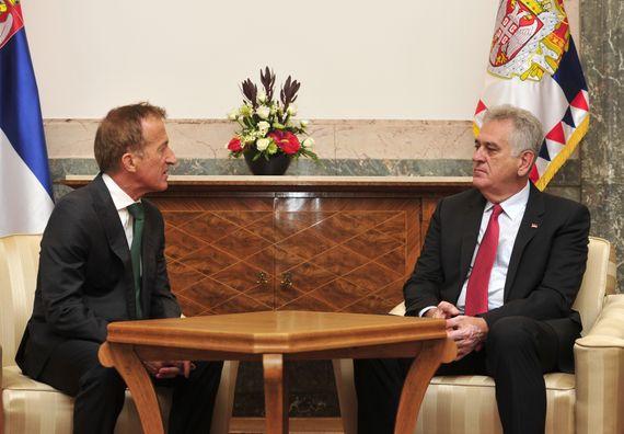 Beograd, 5.8.2014. god, Predsednik Nikolić sa šefom misije OEBS-a u Srbiji Peterom Burkhardom.