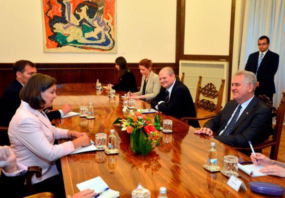 Beograd, 13.7.2014. god, Predsednik Nikolić sa pomoćnikom državnog sekretara SAD za Evropu i Evroaziju, gospođom Viktorijom Nuland.