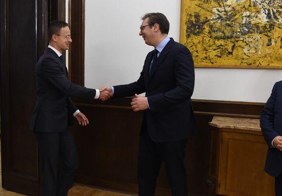 Sastanak sa ministrom spoljnih poslova i spoljne trgovine Mađarske Peterom Sijartom