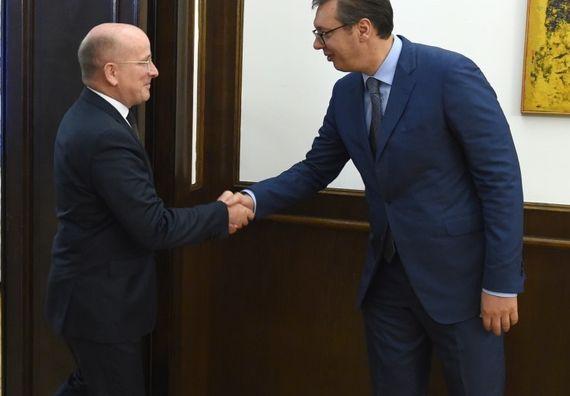 Predsednik Vučić sa  specijalnim izaslanikom Ministarstva spoljnih poslova Nemačke za Jugoistočnu Evropu Kristijanom Helbahom