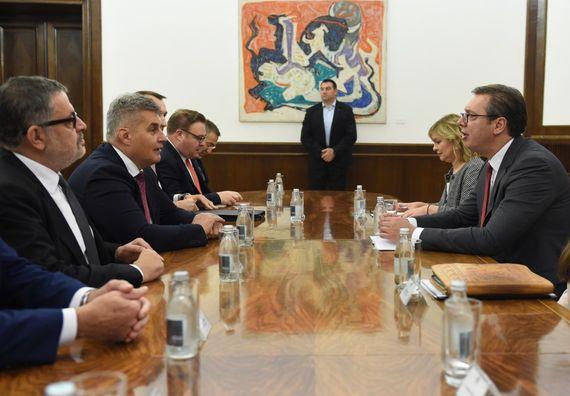 Predsednik Vučić sa predsednikom Skupštine Crne Gore Ivanom Brajovićem