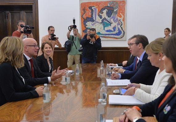 Predsenik Vučić sa generalnim direktorom Međunarodnog komiteta Crvenog krsta Ivom Dakorom