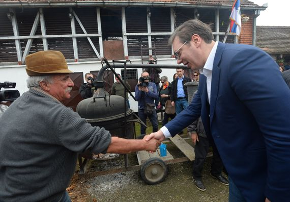 Predsednik Vučić u poseti Sremskom okrugu