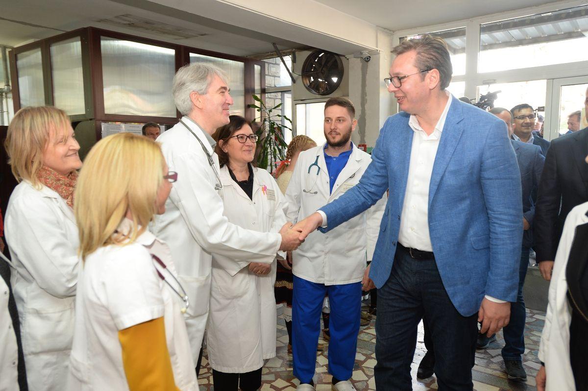 Председник Вучић обишао Браничевски округ у оквиру кампање