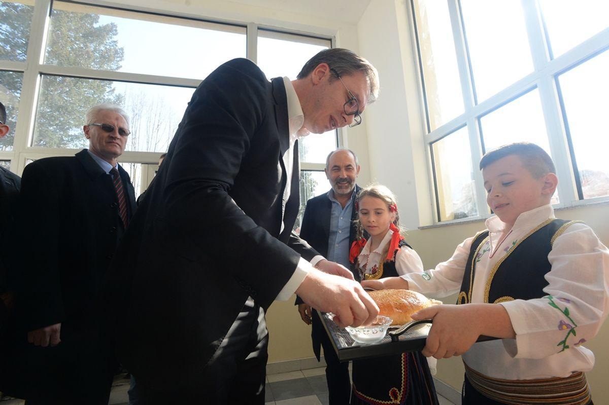 Predsednik Vučić u obilasku Jablaničkog okruga u okviru kampanje