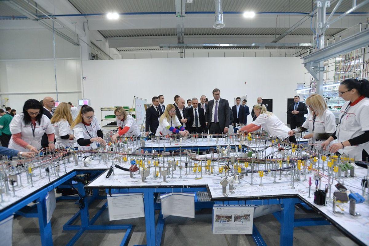 Predsednik Vučić prisustvovao je svečanom otvaranju fabrike Aptive Packard d.o.o. Leskovac