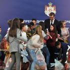 Predsednik Vučić sa decom sa Kosova i Metohije