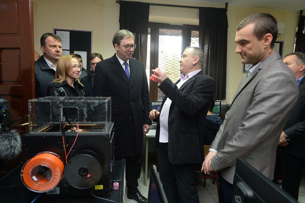 Председник Вучић обишао Јужнобанатски округ у оквиру кампање