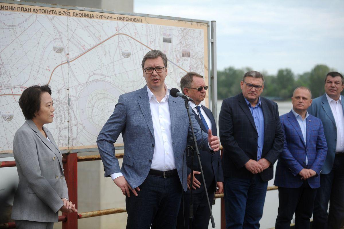 Predsednik Vučić obišao radove na izgradnji mosta preko Save i Kolubare