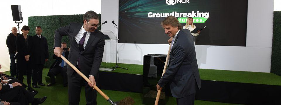 """Predsednik Vučić prisustvovao početku izgradnje najsavremenijeg tehnološkog kampusa američke kompanije """"NCR"""""""
