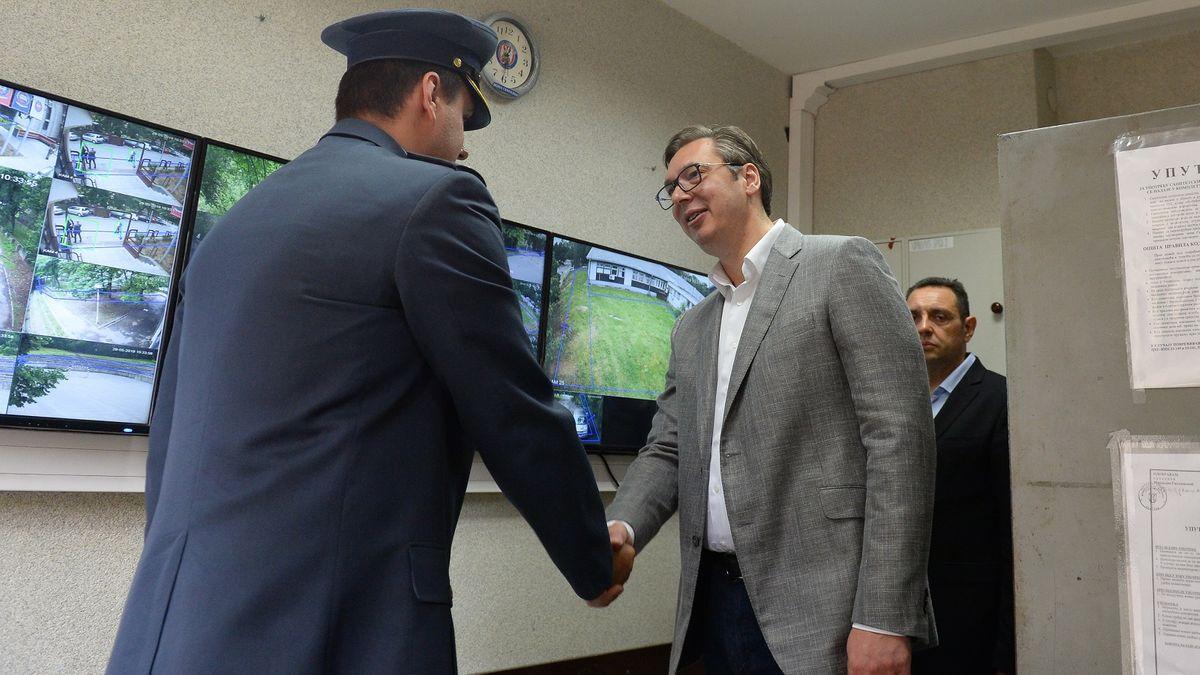 Predsednik Vučić obišao rekonstruisani internat Vojne gimnazije