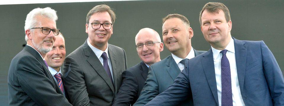 """Predsednik Vučić prisustvovao svečanom otvaranju fabrike kompanije """"ZF"""""""