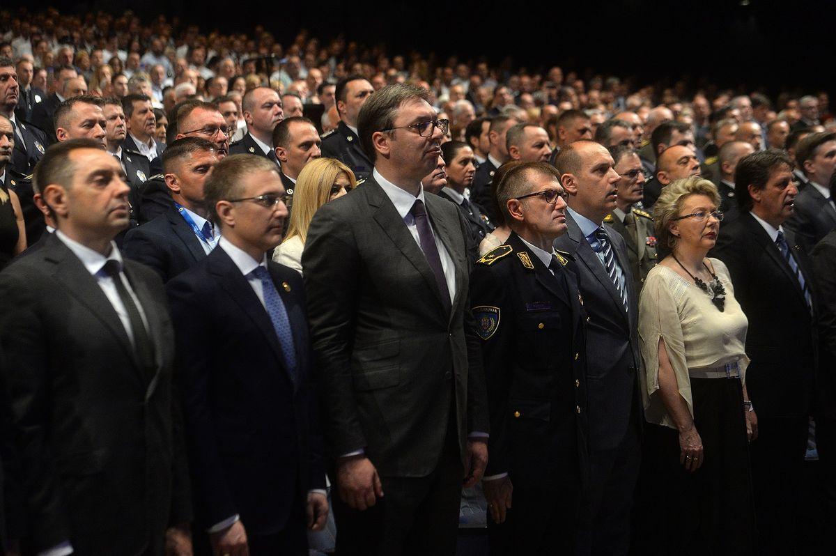 Predsednik Vučić prisustvovao je centralnoj manifestaciji povodom proslave Dana MUP i Dana policije