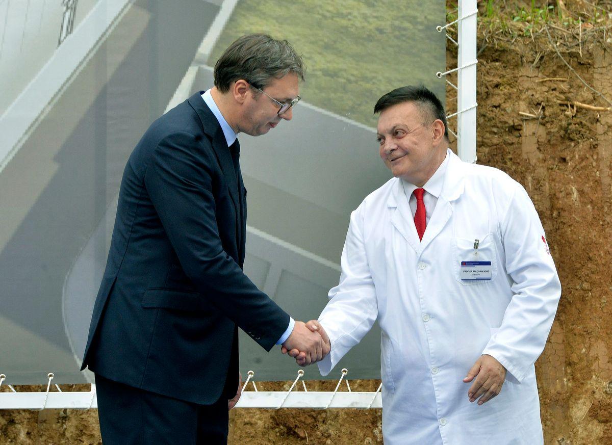 "Predsednik Vučić prisustvovao je obeležavanju početka radova na izgradnji Instituta za kardiovaskularne bolesti ""Dedinje 2"""