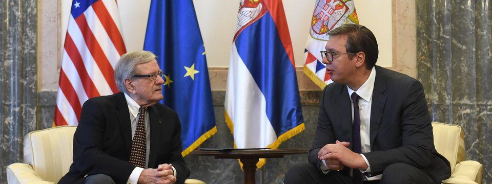 Predsednik Republike Srbije Aleksandar Vučić razgovarao je danas sa Dejvidom Vujićem, poslednjim iz grupe Amerikanaca srpskog porekla, koji su radili na svemirskom programu Apolo