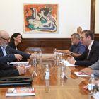 Predsednik Vučić sastao se sa sa delegacijom Koordinacije srpskih udruženja porodica nestalih, ubijenih i poginulih lica