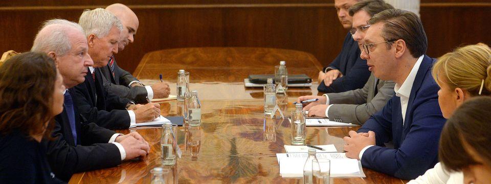 Председник Вучић састао се са делегацијом Светског јеврејског конгреса