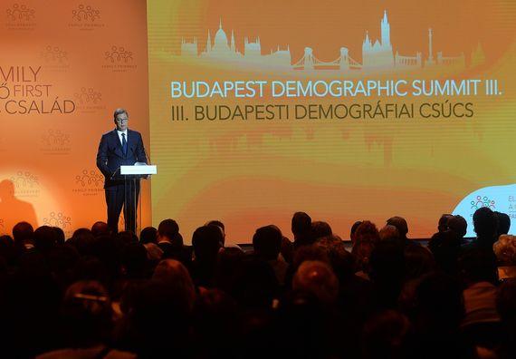 Predsednik Vučić učestvovao je na Trećem demografskom samitu u Budimpešti