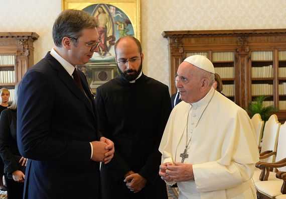 Председник Вучић састао се са Његовом светошћу папом Франциском