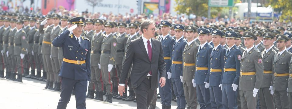 Predsednik Vučić prisustvuje svečanosti povodom promocije najmlađih oficira Vojske Srbije