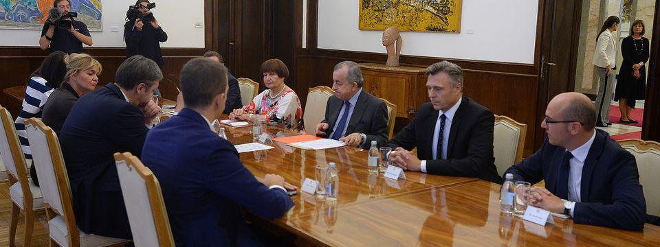 Председник Вучић састао се са специјалним изаслаником генералног секретара Уједињених нација и шефом Мисије УН на Косову и Метохији