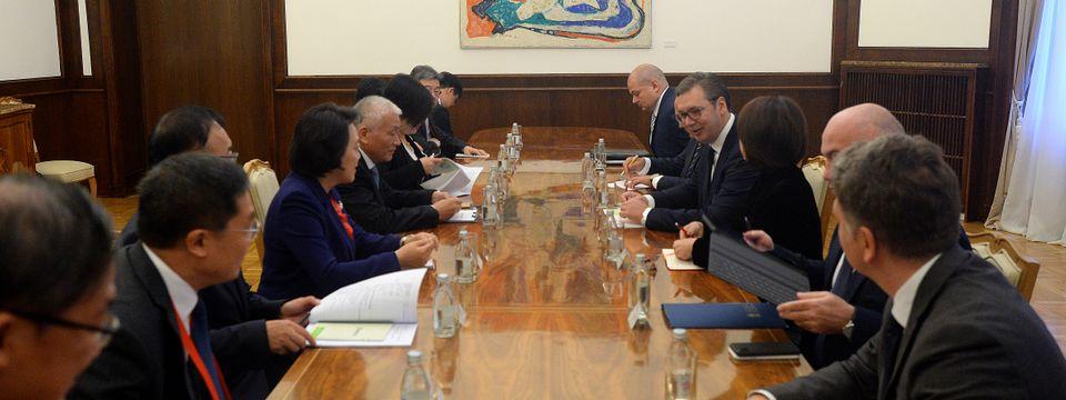 Председник Вучић састао се са министром за науку и технологију НР Кине