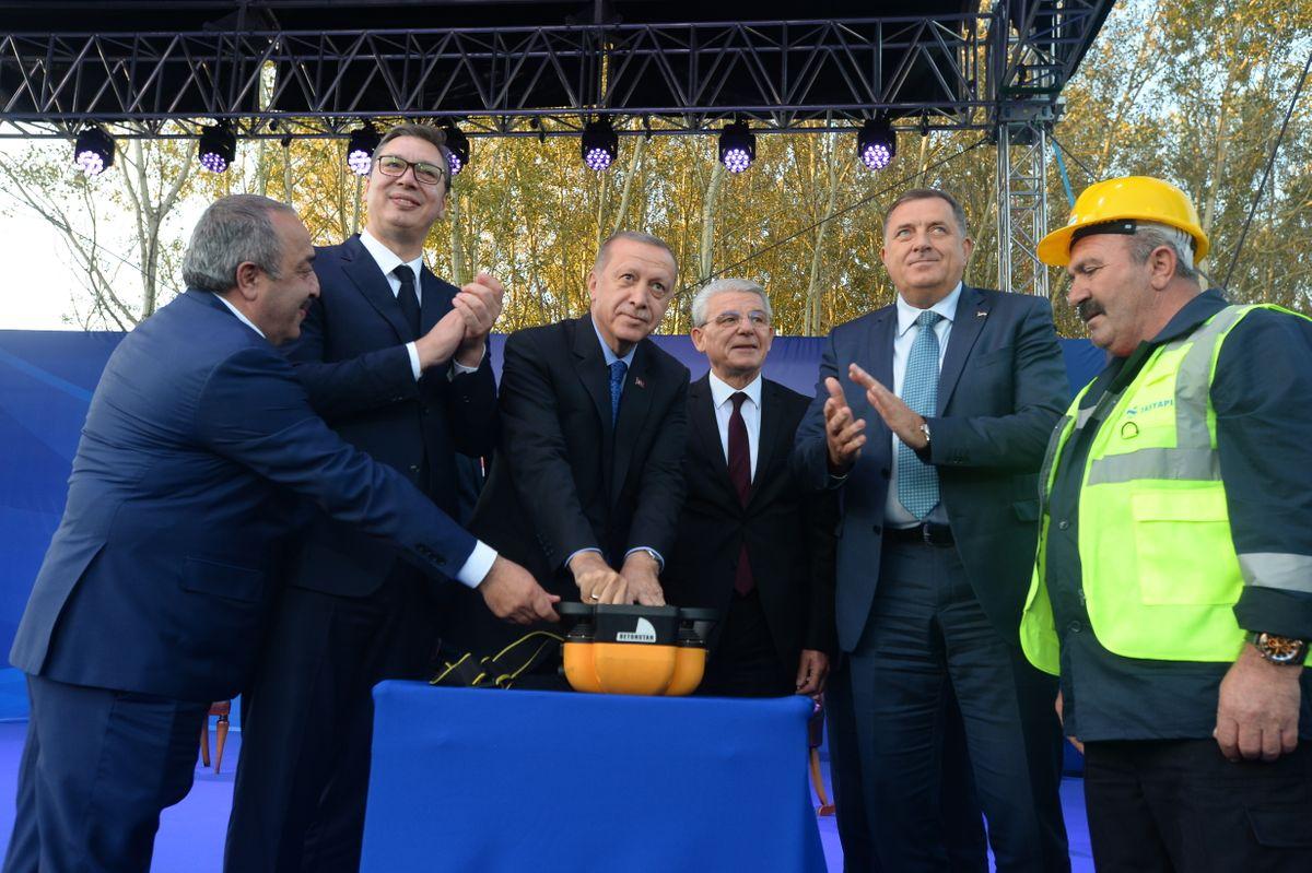 Polaganje kamena temeljca za izgradnju auto-puta Beograd-Sarajevo