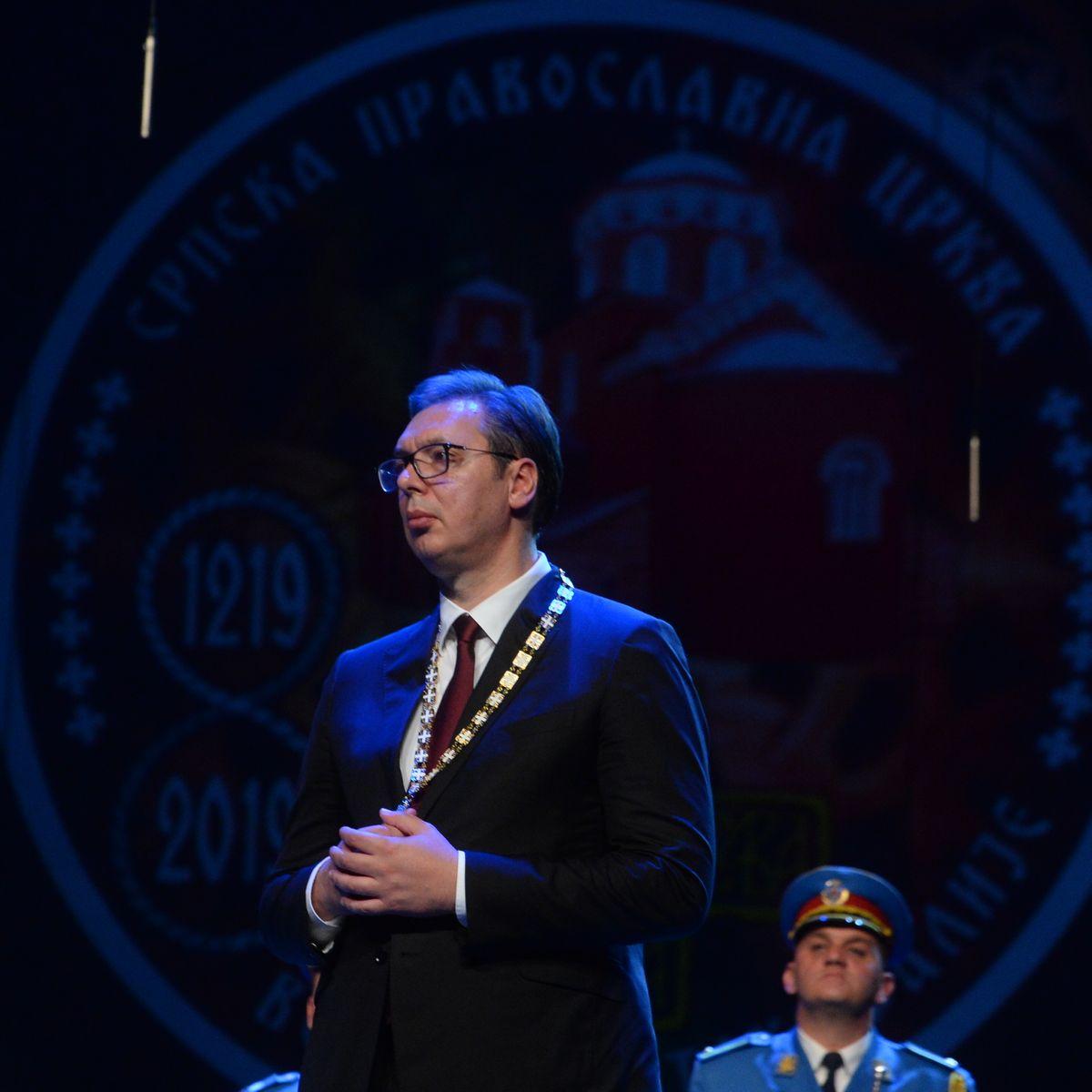 Predsednik Vučić odlikovan Ordenom Svetog Save prvoga stepena