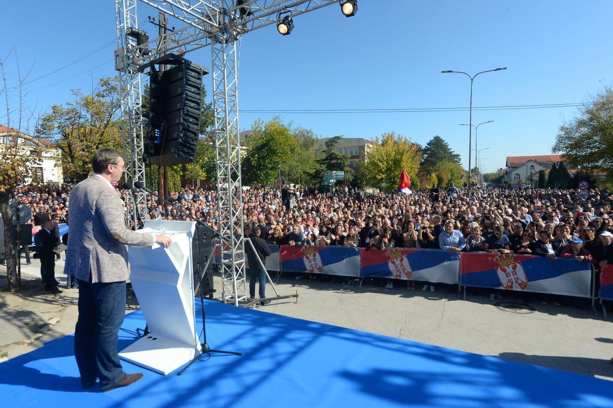 Председник Вучић обишао Топлички округ у оквиру кампање