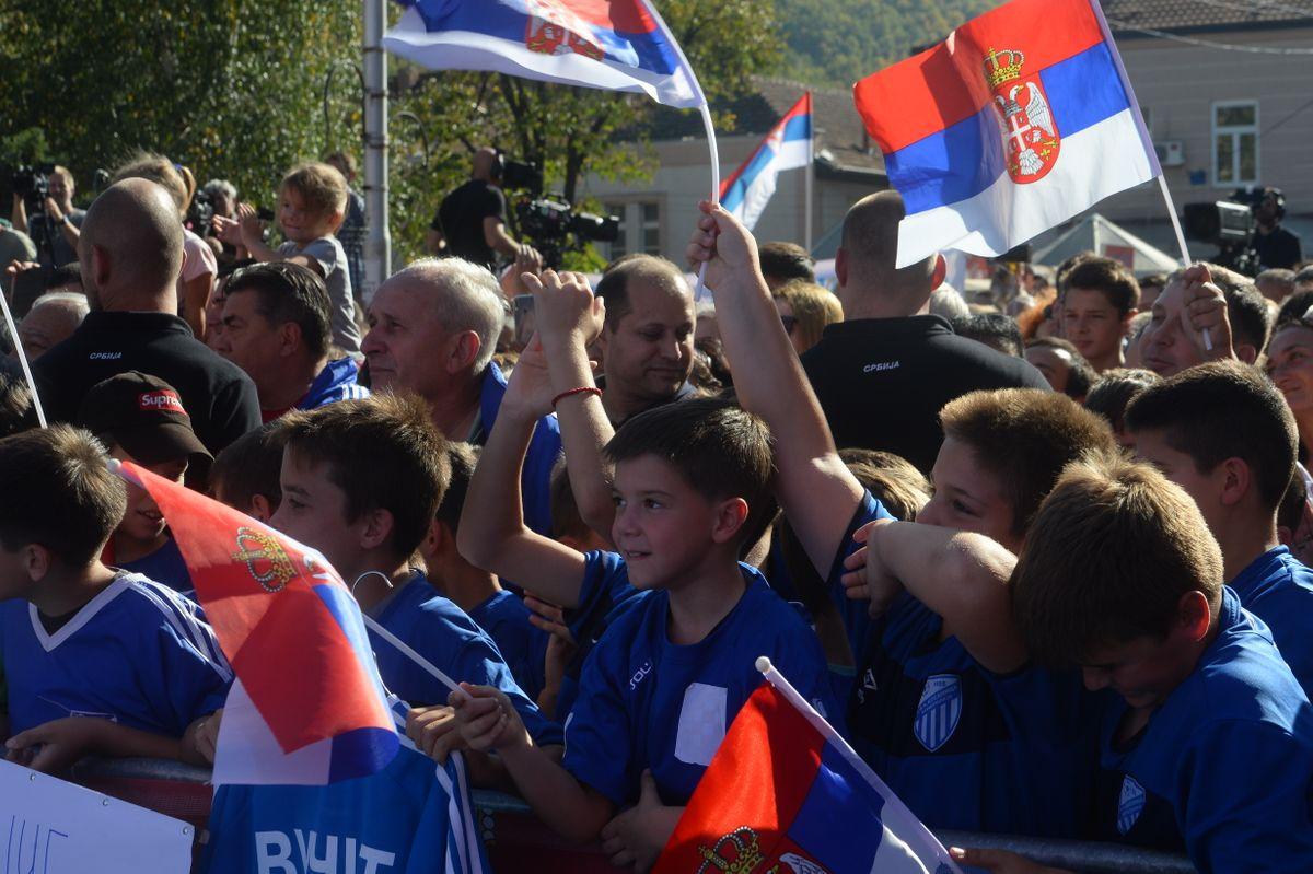 Председник Вучић у посети Топличком округу у оквиру кампање