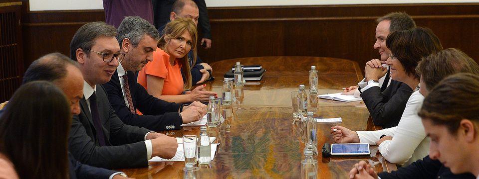 Председник Вучић састао се са председницом Савета за дуално образовање Швајцарске Урсулом Рејнолд.
