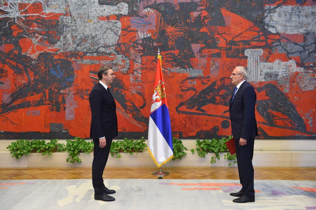 Predsednik Vučić primio akreditivna pisma od novoimenovanog ambasadora Crne Gore