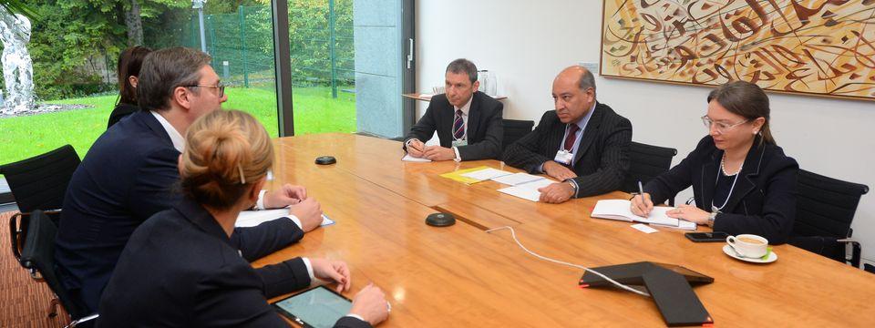 Председник Вучић састао се у Женеви са Сумом Чакабартијем