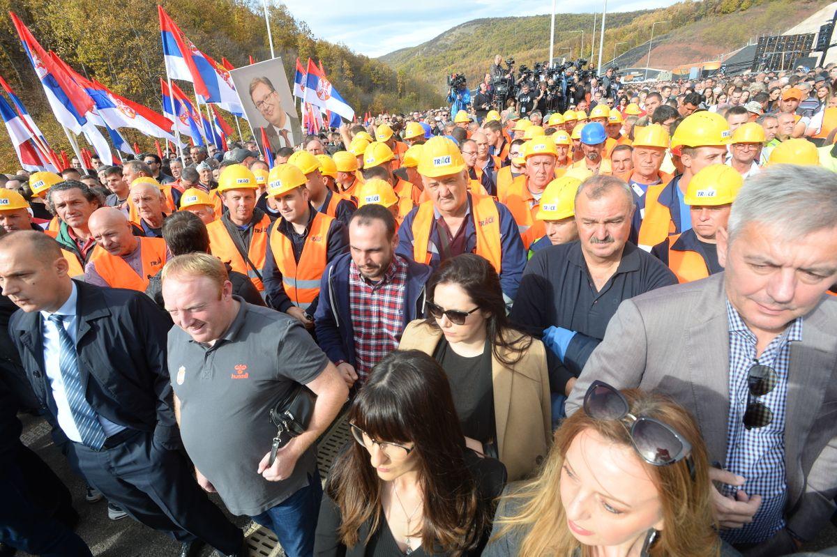 Predsednik Vučić prisustvovao svečanom puštanju saobraćaja na istočnom kraku Koridora 10