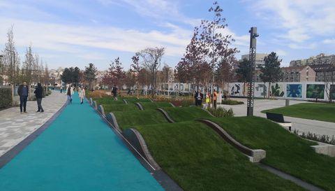 Председник Вучић присуствовао је отварању Београдског парка, Булевара Вудроа Вилсона и улице Николаја Кравцова