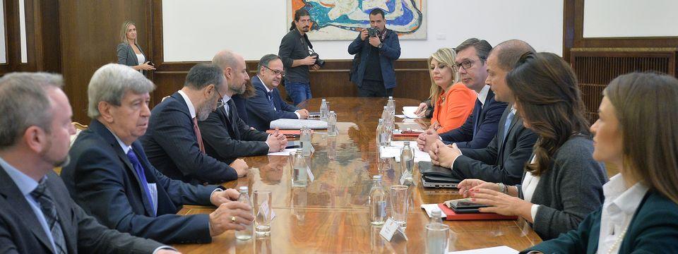 Председник Вучић састао се са делегацијом Европског парламента