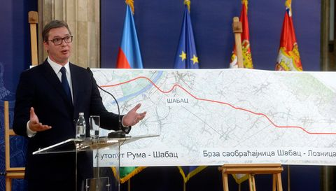 Председник Вучић присуствовао потписивању уговора за изградњу деонице ауто-пута Рума-Шабац-Лозница