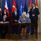 Председник Вучић присуствовао потписивању уговора за изградњу Моравичког коридора