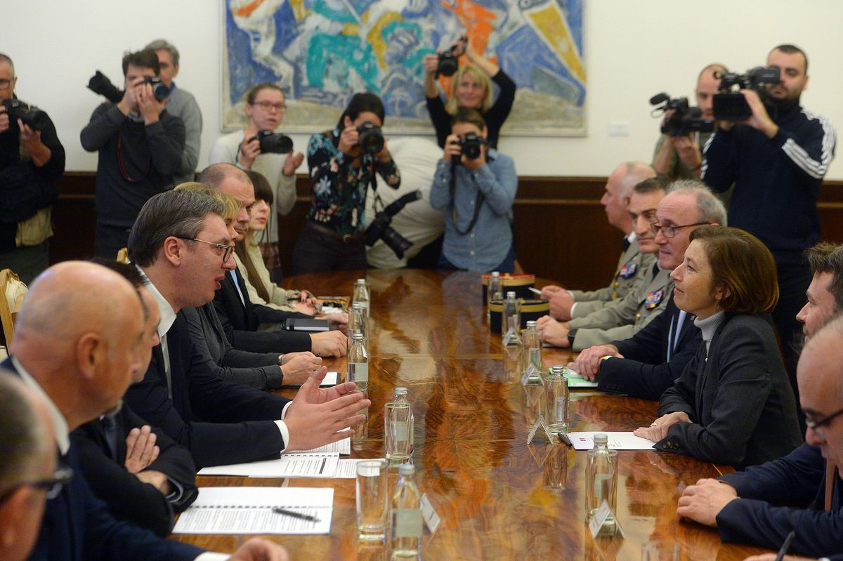 Председник Вучић састао се са са министарком одбране Француске Републике