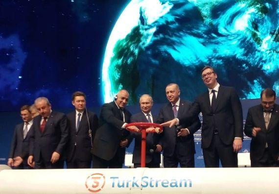 Predsednik Vučić prisustvovao svečanosti povodom puštanja u rad deonice gasovoda Turski tok u Istanbulu