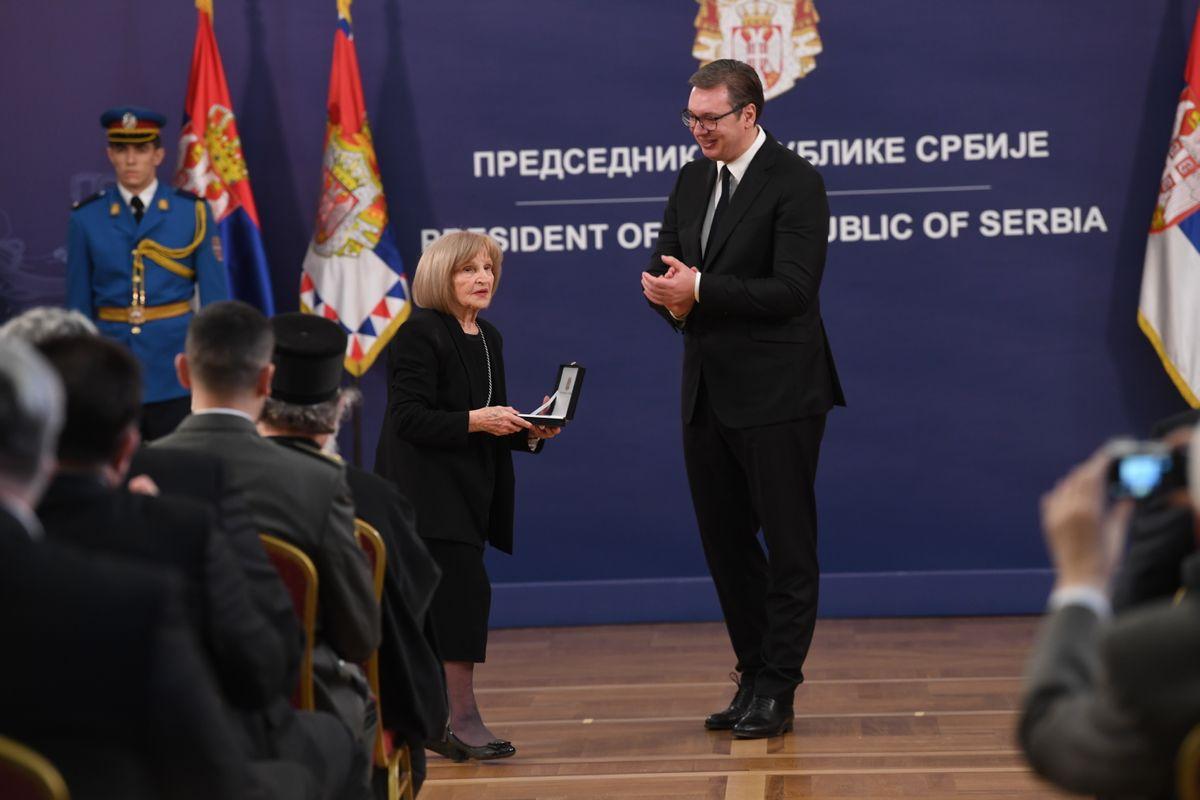 Председник Вучић уручио је поводом Дана државности Србије одликовања заслужним појединцима и институцијама