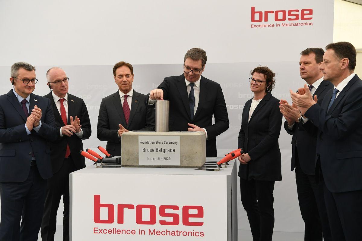 """Predsednik Vučić prisustvovao ceremoniji polaganja kamena temeljca za izgradnju fabrike i razvojnog centra kompanije """"Brose"""""""