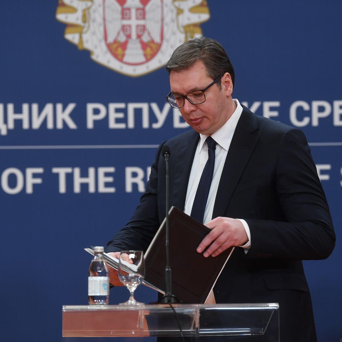 Председник Вучић председавао састанком Кризних штабова