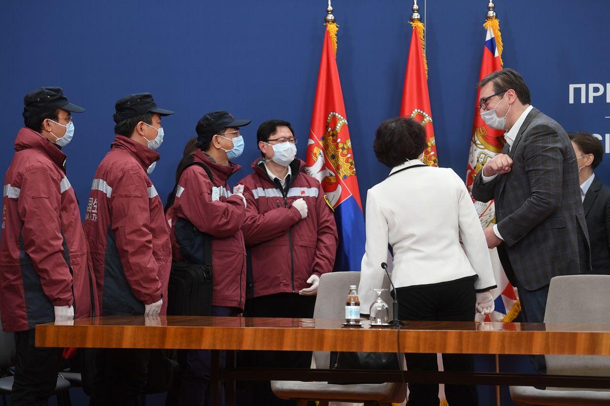 Обраћање председника Вучића након састанка Кризних штабова са лекарима из НР Кине